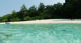 similan-island-beach-from-water-panorama
