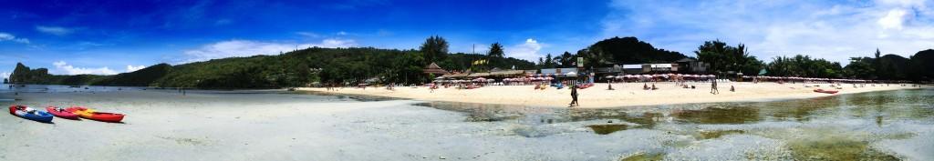 Loh Dalum Bucht auf Ko Phi Phi Panorama