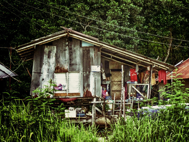old-huts-pee-pee-island-vilage